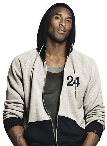 Коби Брайант в худи Nike AW77. Фото: Дэвид Симс