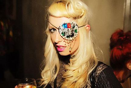 Disco revival. I feel love. Стиль диско. Одежда, тенденции моды 2009.