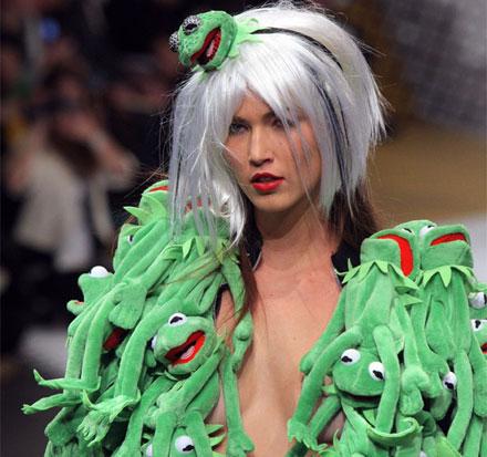Ирония в моде. JC de Castelbajac Kermit jacket