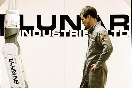 Луна 2112. Рецензия на фильм
