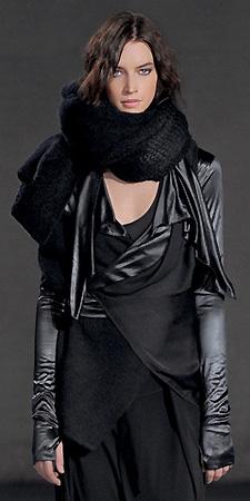 На всю осенне-зимнюю коллекцию одежды Sarah Pacini и пальто Leonard'o...