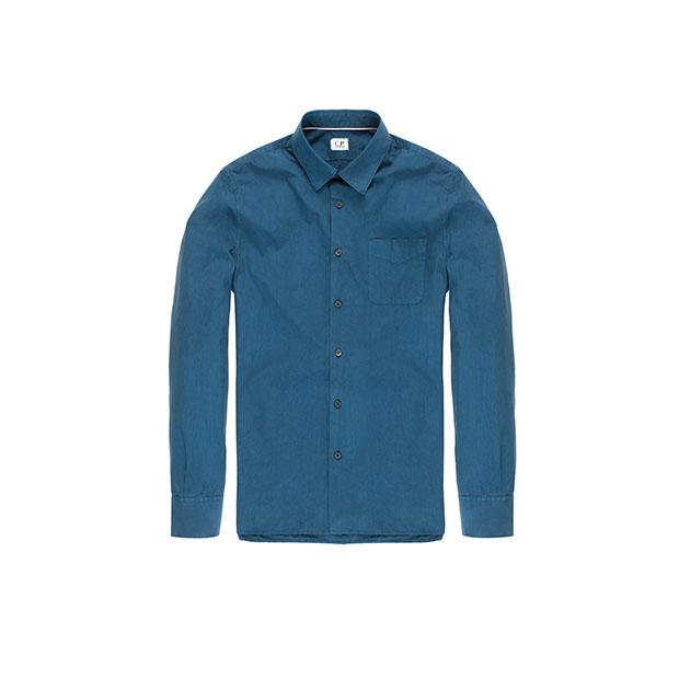 Синяя рубашка с нагрудным карманом