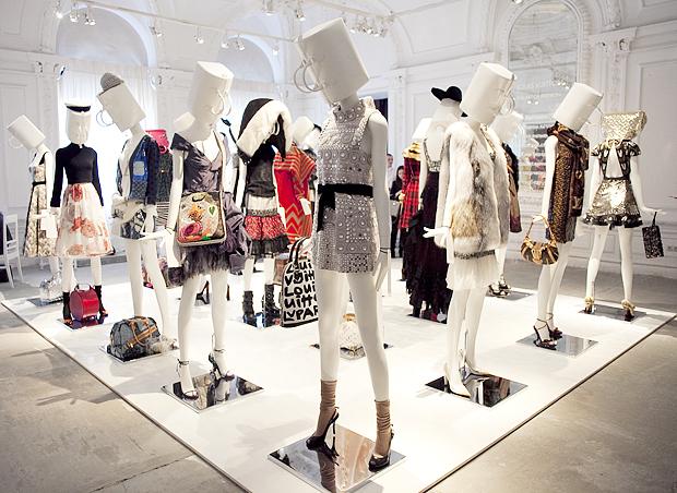 Louis Vuitton Луи Виттон: каталог, цены, магазины