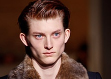 Коллекция Dries Van Noten: белый герцог
