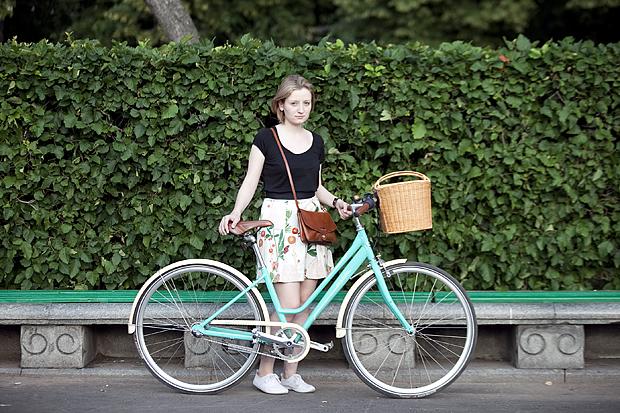В чем ездить на велосипеде на работу девушке саша белоусов
