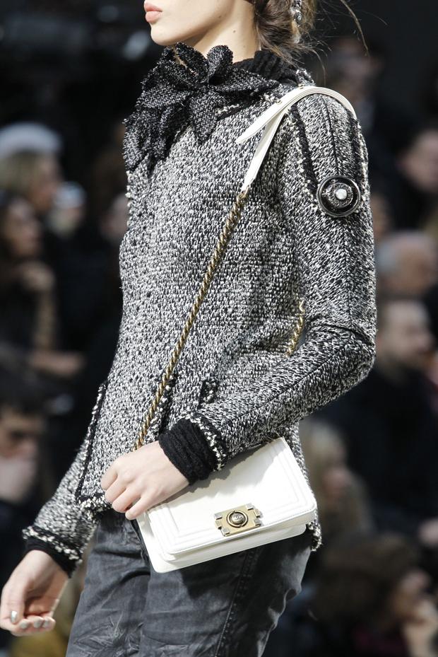 При выборе жакета Chanel... вряд ли окажется вечным, если вы ошибетёсь с...