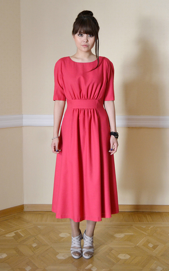 Платье цвета фуксии из коллекции осень-зима 2012-2013 модного дома Kogel