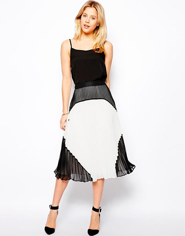 Платье стоит 2120 рублей