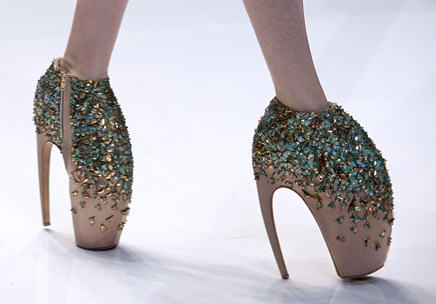 Alexander McQueen Armadillo Shoes Bring In 295000 At