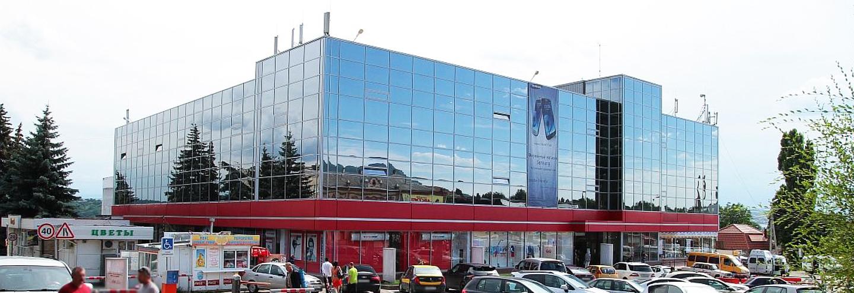 1da91d00bf03 ТЦ «Универмаг» в Пятигорске  адрес, магазины одежды, часы работы ...